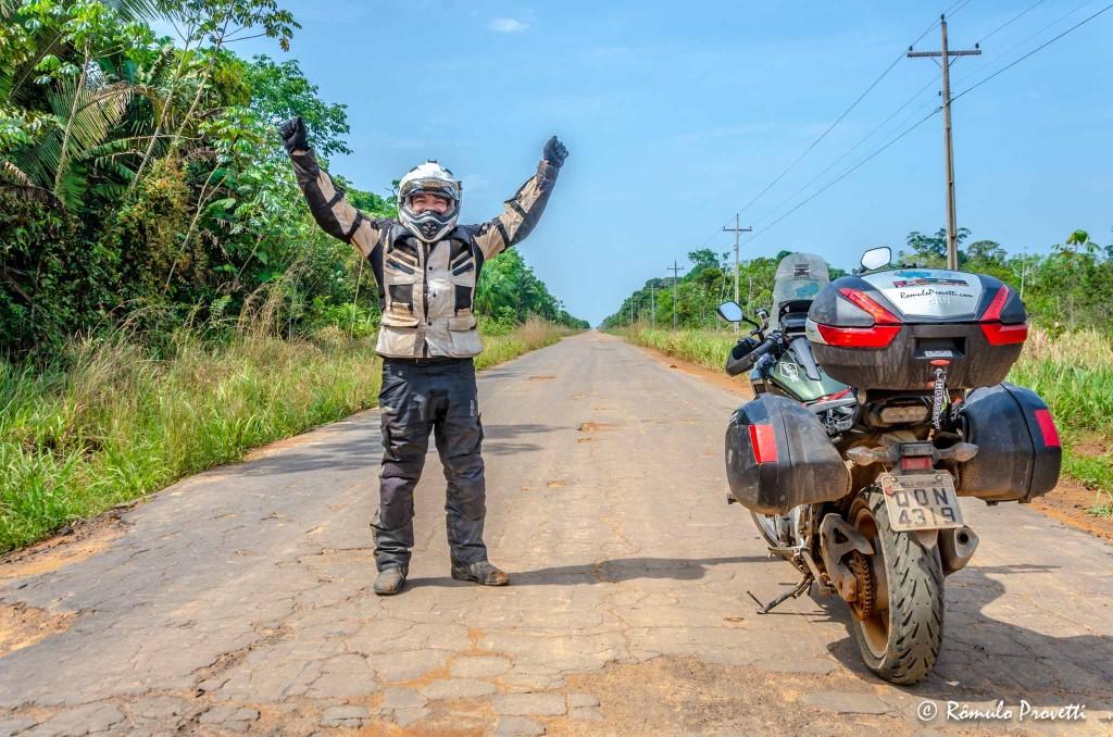 Atravessando a Floresta Amazônica - BR 319 - Estrada Fantasma